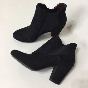 BCBGeneration Ankle Booties 6 Black Faux Suede